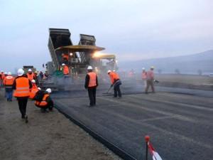 Ce spune CNADNR despre autostrada care a CRĂPAT după doar ZECE zile de la deschidere