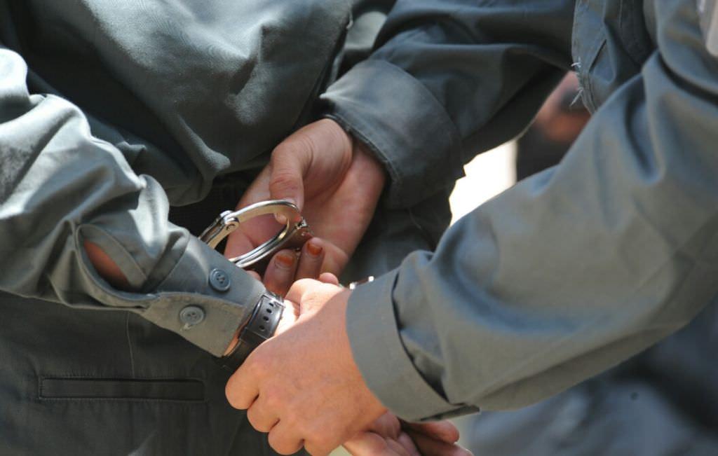 Mureșeni reținuți pentru că au spart o locuință din municipiul Sibiu