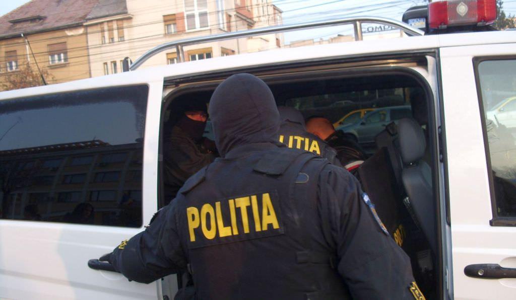 Trei sibieni arestați pentru o tâlhărie în plină stradă pe Semaforului