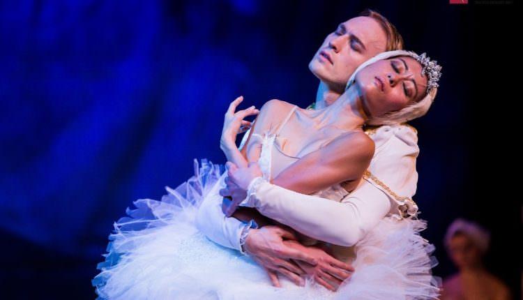 """Primele spectacolele ale Teatrului de Balet din Sibiu în 2017 au loc """"în deplasare"""""""
