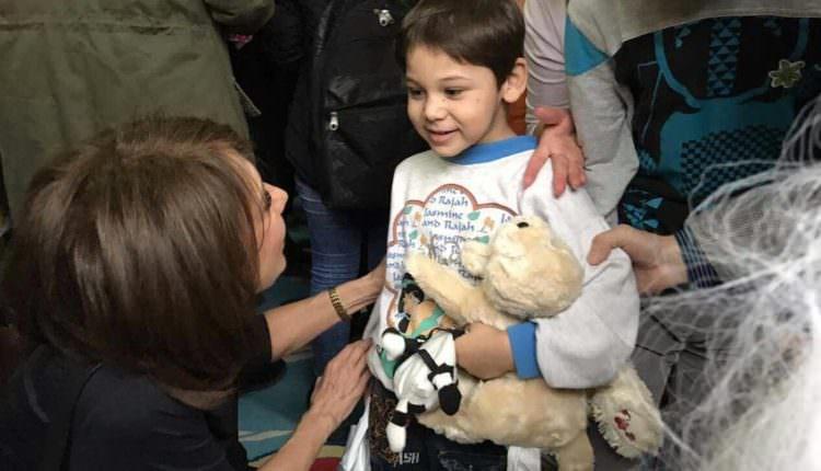 """FOTO – Emoție și momente unice cu Carmen Iohannis. Prima Doamnă a mers la """"Prichindelul"""""""