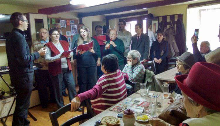 FOTO – Colindătorii au ajuns și la Clubul Persoanelor Vârstnice din Sibiu