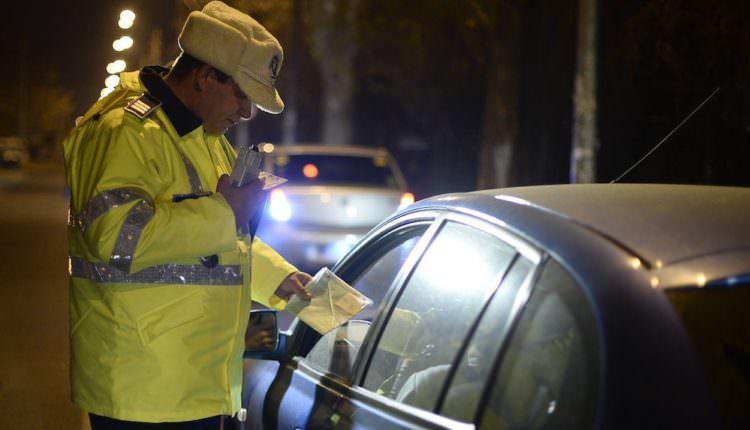 Dosare penale pentru doi sibieni prinși în trafic cu mașini cu numere expirate