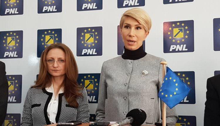 LIVE VIDEO – Raluca Turcan și Daniela Cîmpean, declarații importante la sediul PNL (11.00)