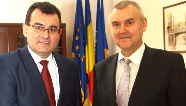 FOTO – Noul prefect al Sibiului și-a început mandatul cu o întâlnire cu ambasadorul Belarusului