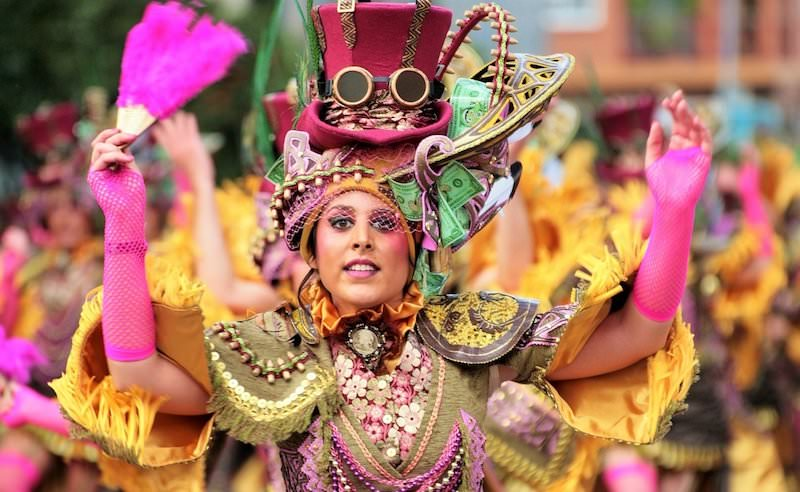 farmecul carnavalului 3