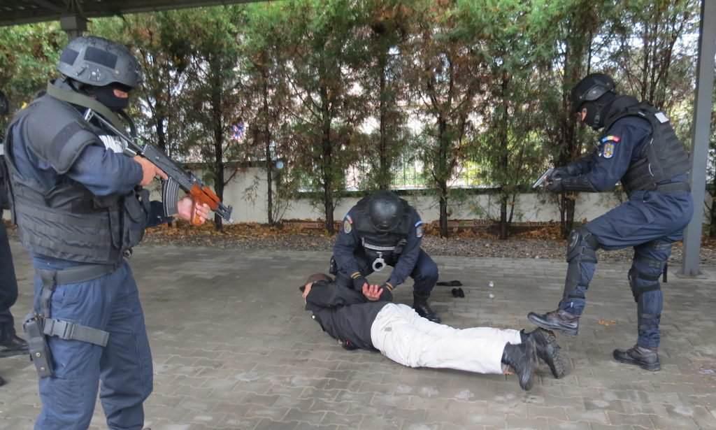 jandarmi arest 2