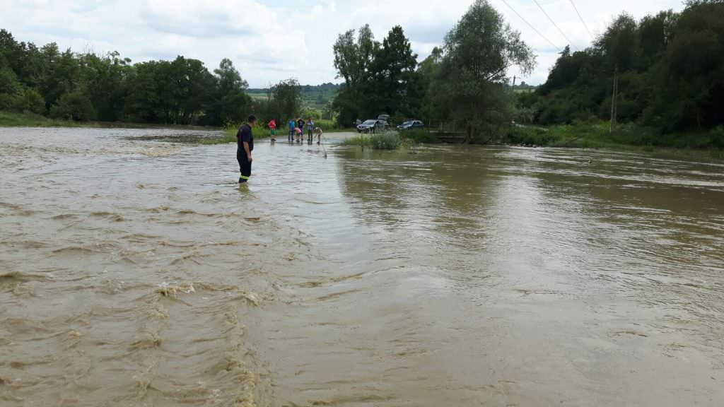 inundatii noul roman