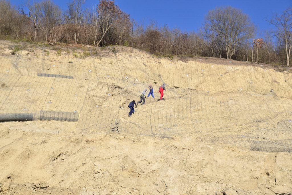image 2018 11 14 22813931 0 alunecari teren dealul soimus