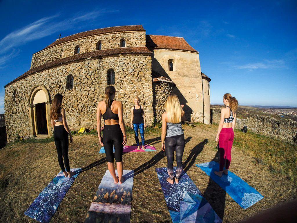 loop yoga 4