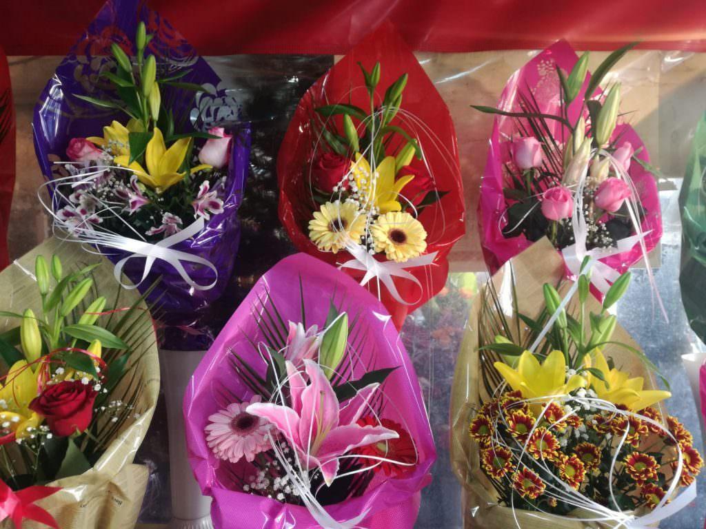 8 martie flori 20