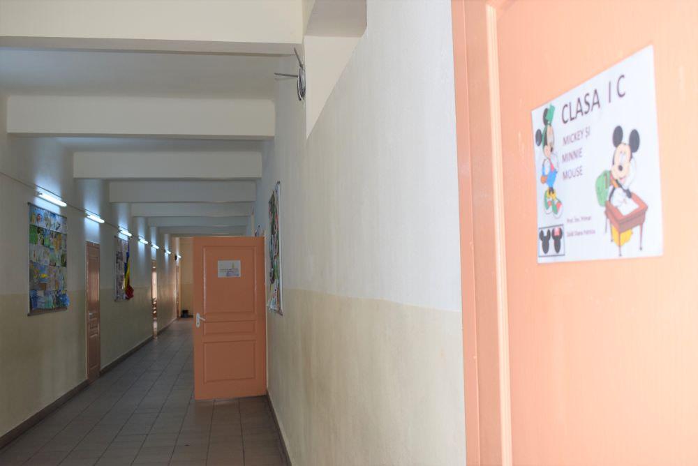 foto hol scoala
