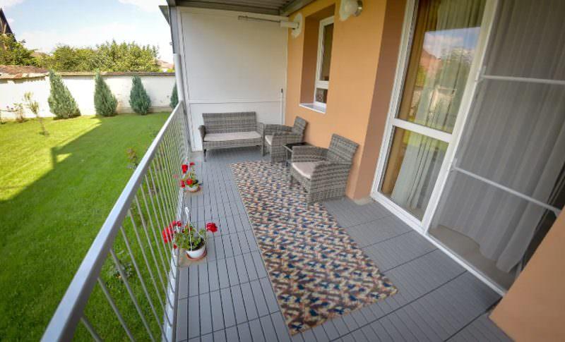 garden airbnb