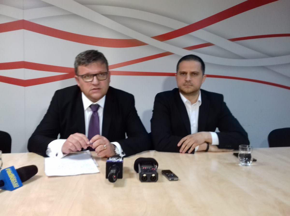 foto ministrul muncii si ministrul turismului Bogdan Trif