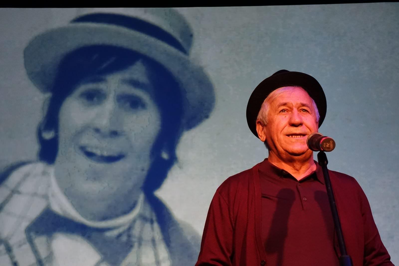 Mihaita Reconstituirea unei vieti Teatrul de comedie