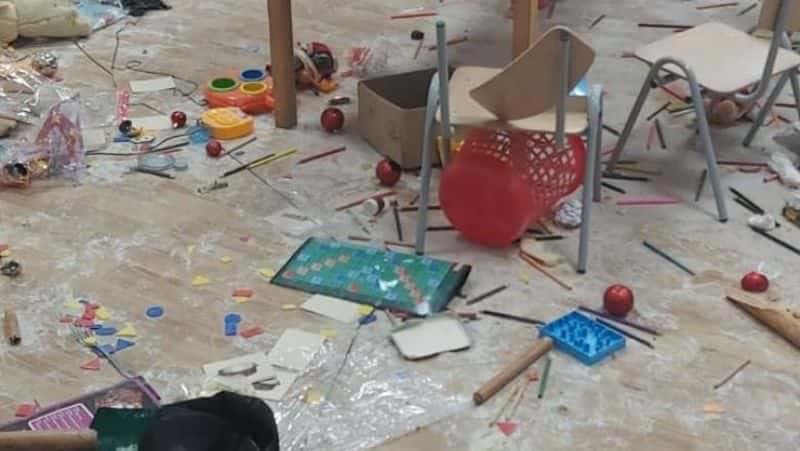 scoala vandalizata