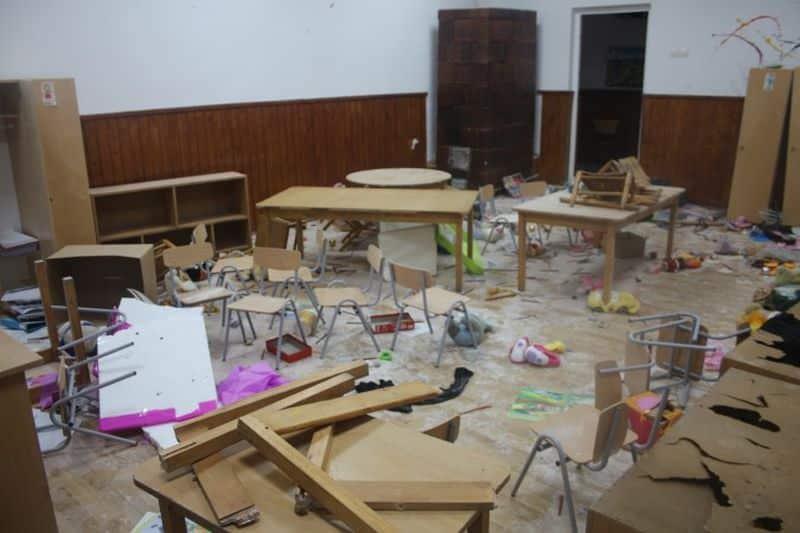 scoala vandalizata1