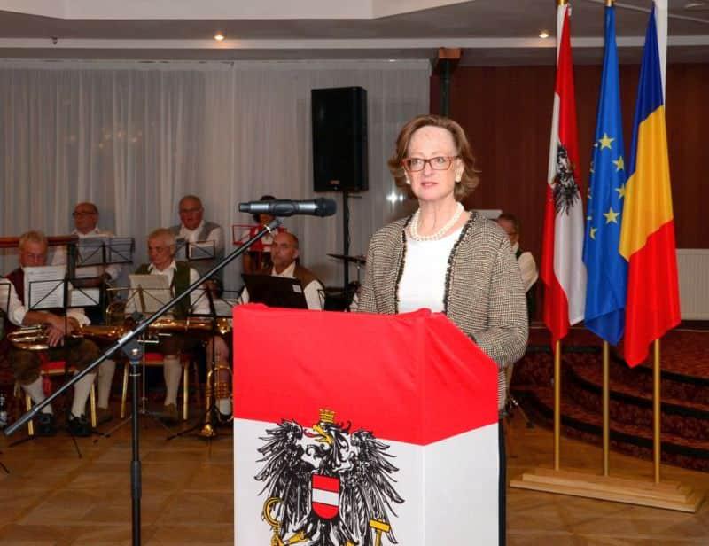Botschafterin Mag. Isabel Rauscher1