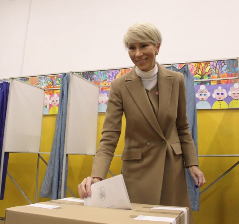 foto Raluca Turcan vot alegeri prezidenţiale 2019 Sibiu