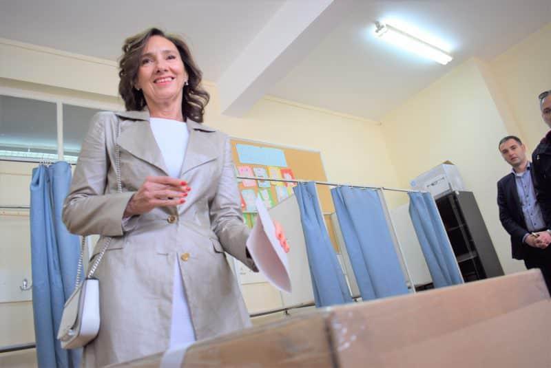 foto carmen iohannis la vot duminica la sibiu