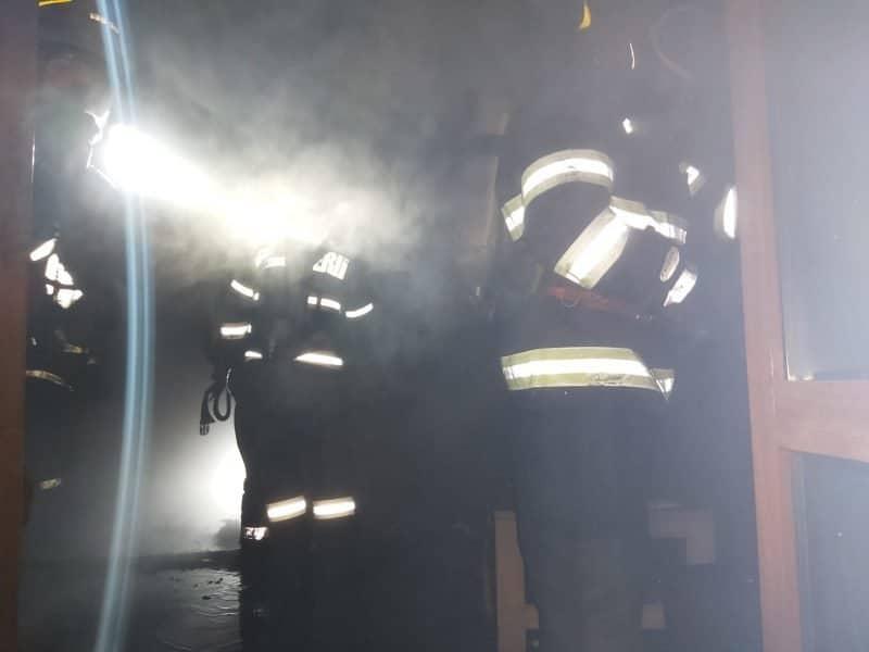 casa incendiu2