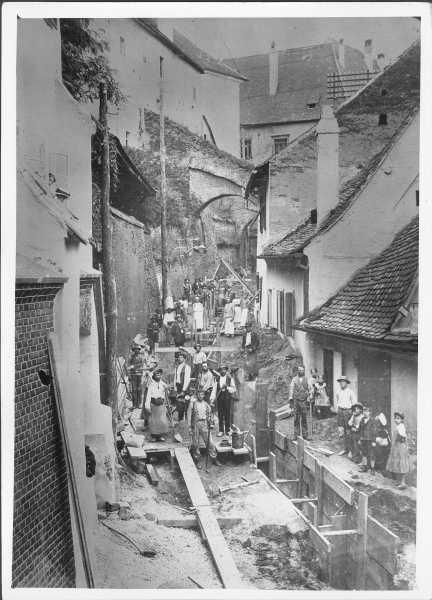 Introducerea canalizarii pe Pasajul scarilor 1906