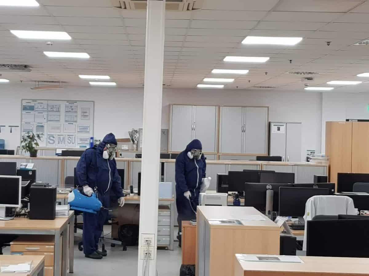 11. Birourile sunt dezinfectate o data pe saptamana