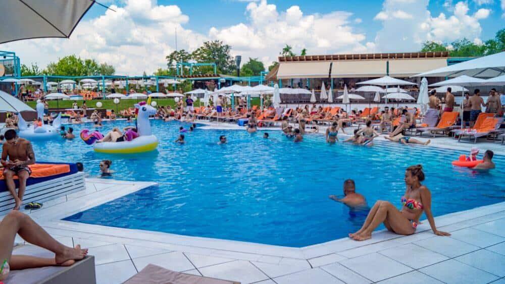 opțiuni de piscină)
