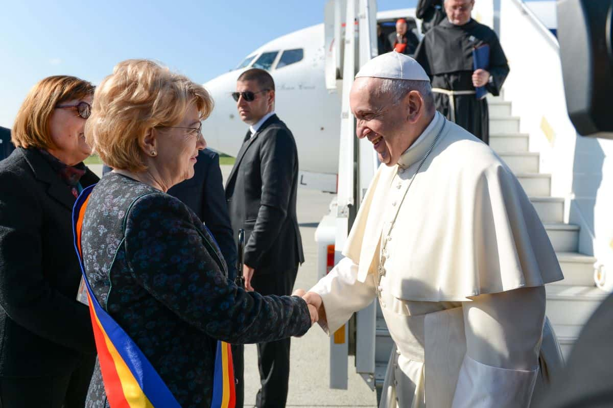 17 Se intereseaza Klaus Iohannis de ce se mai intampla la Sibiu  1