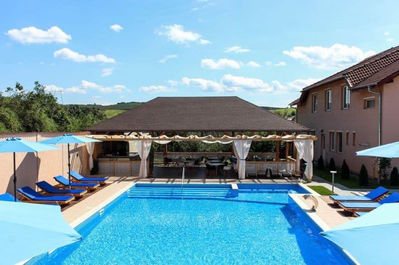 piscina carpatia