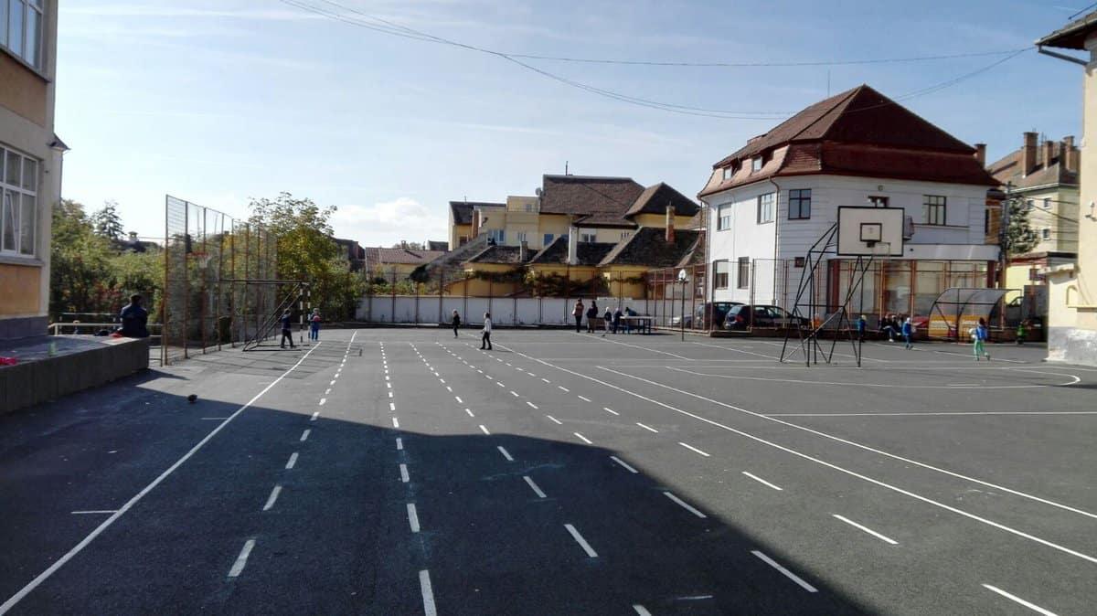 terenuri sport scoli 2