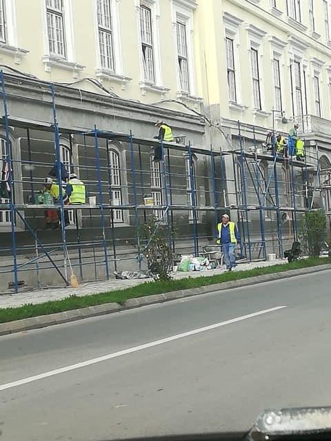muncitori masca 1
