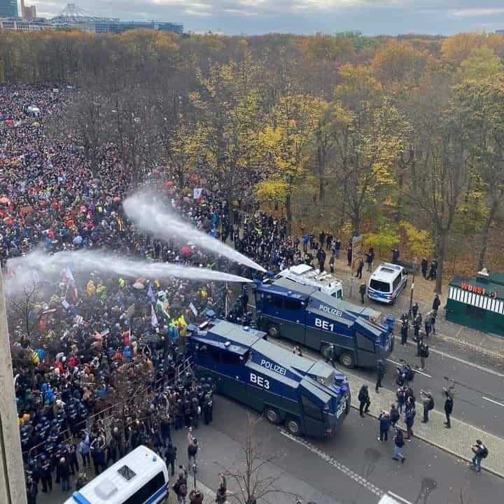 protest berlin covid 19