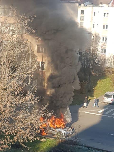 incendiu masina cedonia