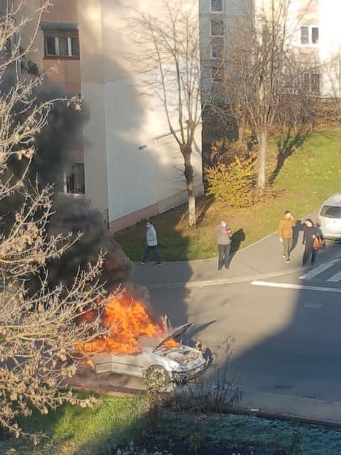 masina incendiu cedonia