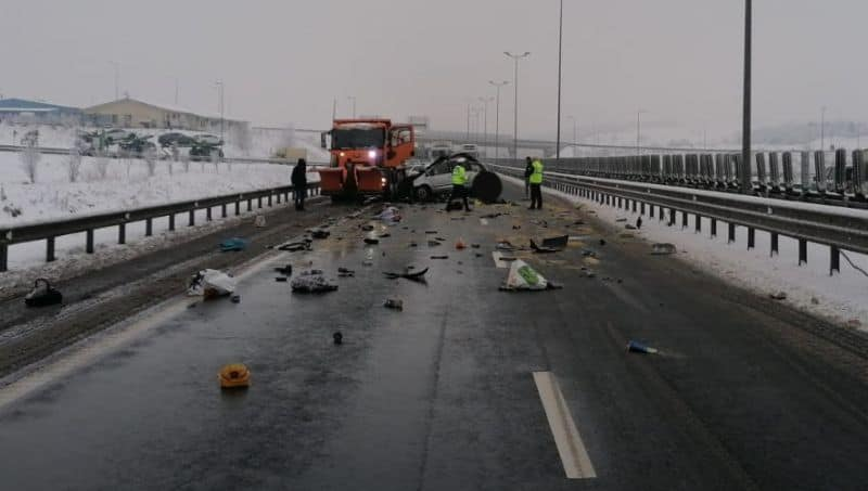 accident autostrada masina deszapezire