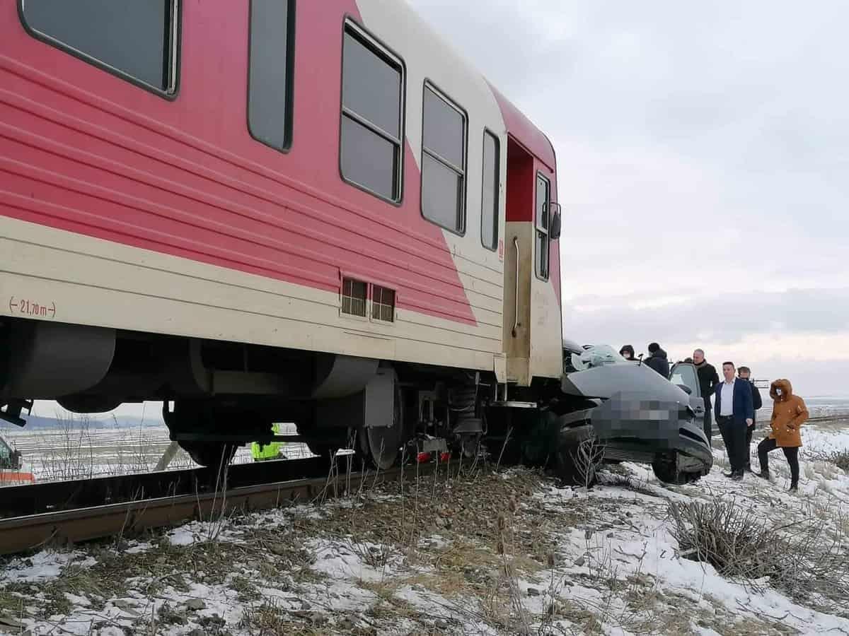 accident masina tren
