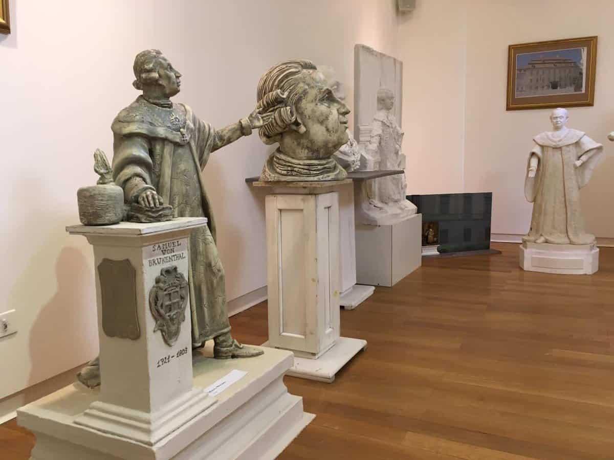 statui muzeul brukenthal 3