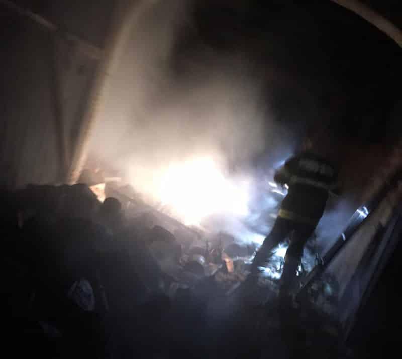 incendiu noapte pompieri