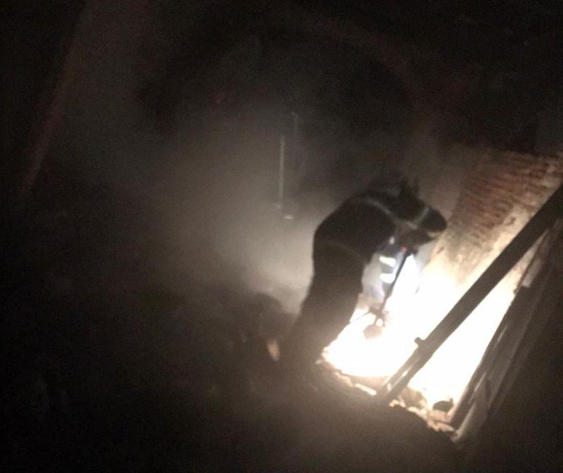 incendiu pompieri noapte
