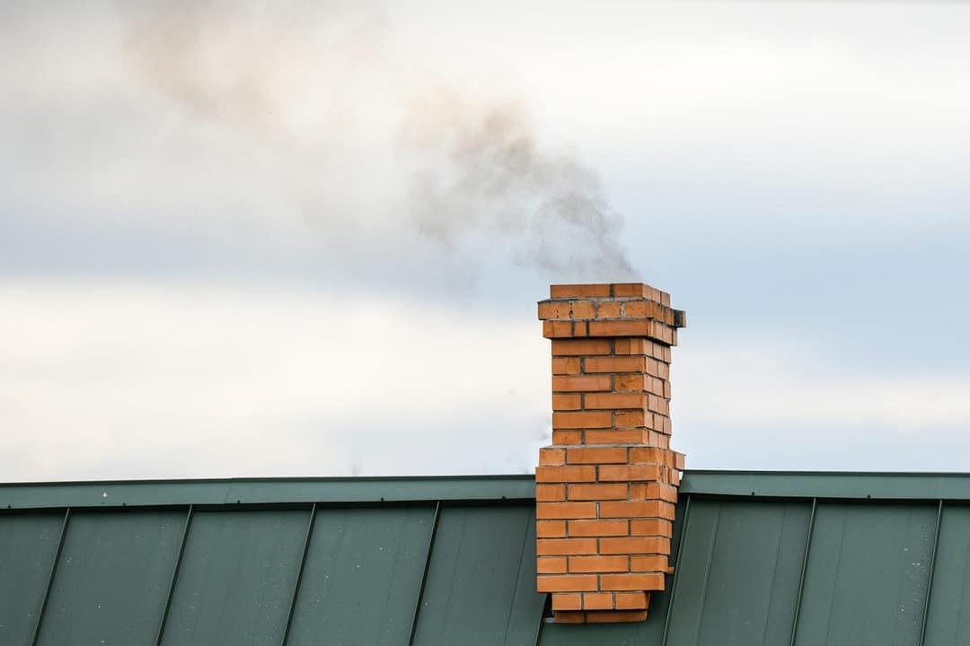 1 cos de fum incendiu necuratat