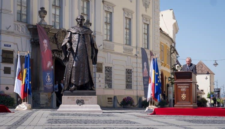 Această imagine are atributul alt gol; numele fișierului este statuie-brukenthal-4-750x430.jpg